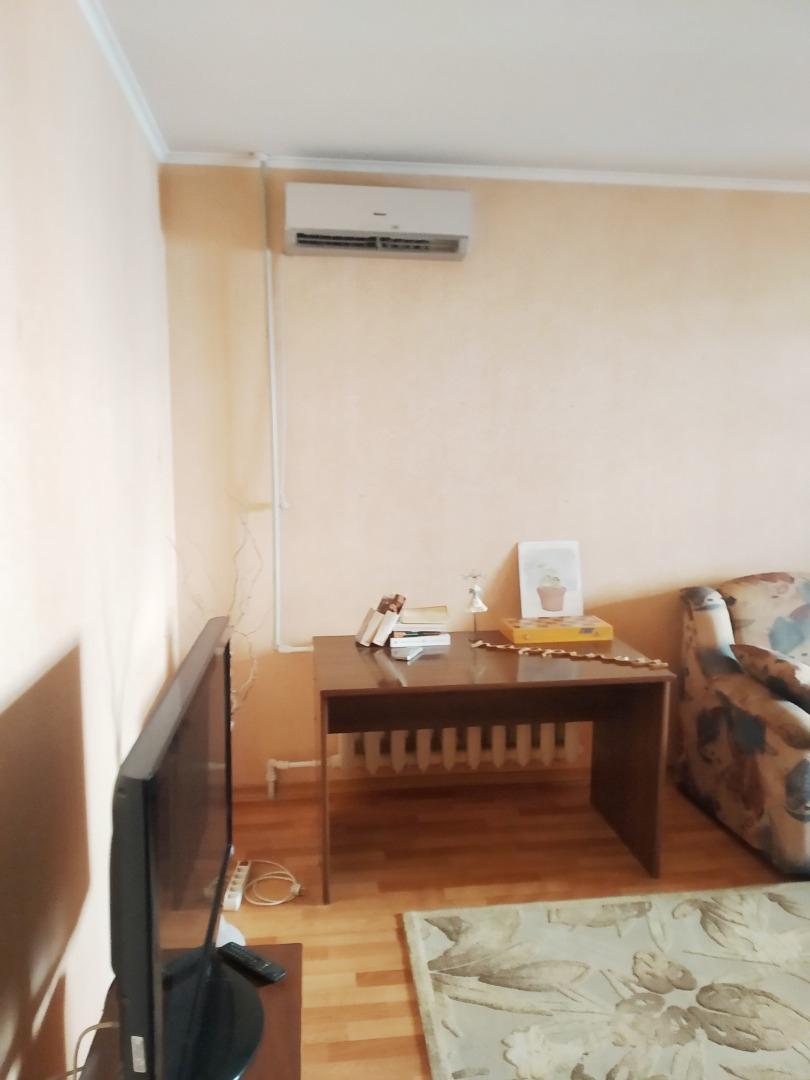 продажа трехкомнатной квартиры номер A-155056 в Суворовском районе, фото номер 4